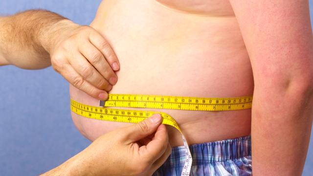 Voetbalclubs helpen supporters die overgewicht hebben met afvallen