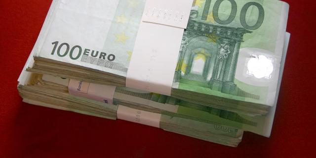 College van Schiedam smeet met geld