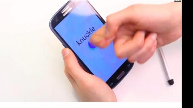 Smartphonescherm herkent vinger, knokkel en nagel