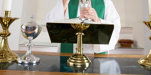 Onderzoek: 'Duizenden misbruikzaken binnen Duitse katholieke kerk'