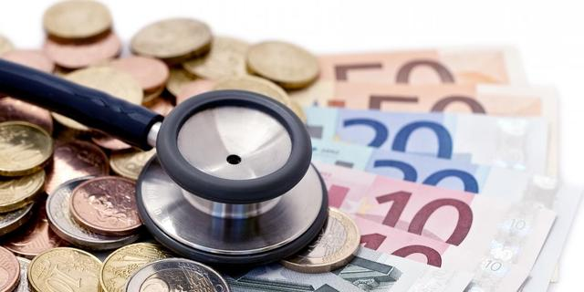 'Zorgpremie met tien euro per maand omhoog'