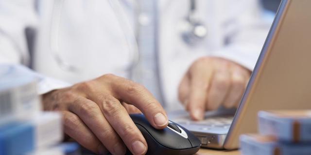 'Artsen verdienen geld aan Elektronisch Patiëntendossier'