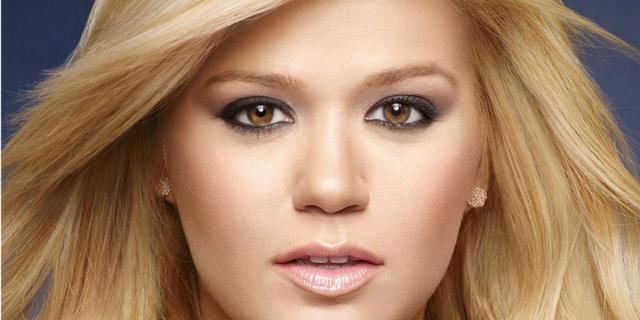 Kelly Clarkson maakt verloving bekend