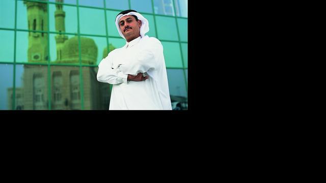 Arabische mannen willen snor-implantaten