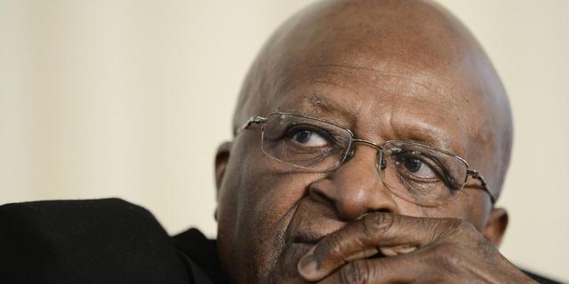Tutu uit afkeer van homofobie