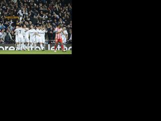 De Argentijn maakt twee doelpunten tijdens de 5-1 zege en is nu één goal verwijderd van het record van Gerd Müller.