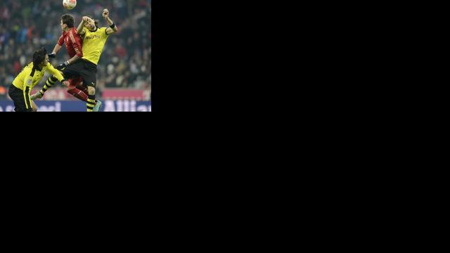 Bayern en Dortmund spelen gelijk, Schalke wint weer niet