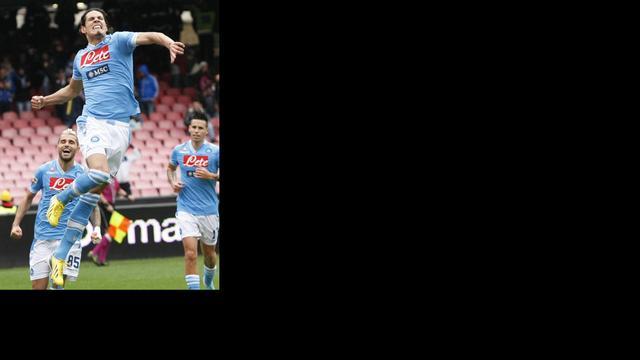 Napoli en Inter blijven in spoor Juventus, Kuijt redt punt