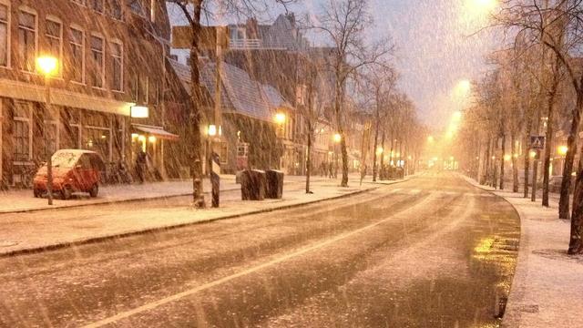 Verkeer heeft veel last van sneeuw en wind