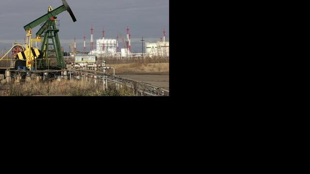 Schlumberger grijpt in na daling olieprijzen