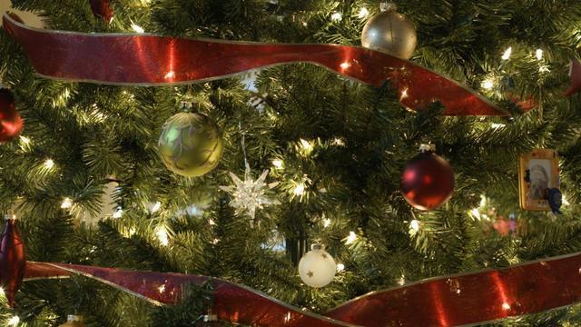 Verlichting grootste irritatiebron bij optuigen kerstboom