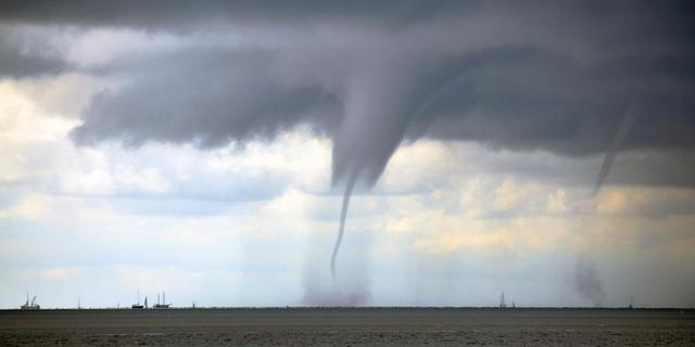 Sneeuwstorm en tornado's treffen zuiden VS