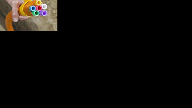 Onderzoekers vertienvoudigen bandbreedte op glasvezel