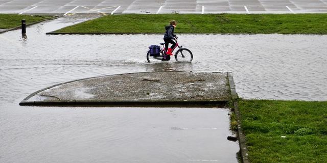 Waterpeil Rijn blijft stijgen