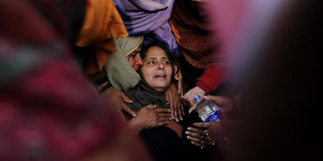 Indiase onder druk gezet te trouwen met verkrachter