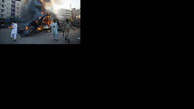 Bloedige bomaanslag op legerpost Pakistan