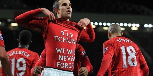 Van Persie opnieuw trefzeker voor winnend Manchester United