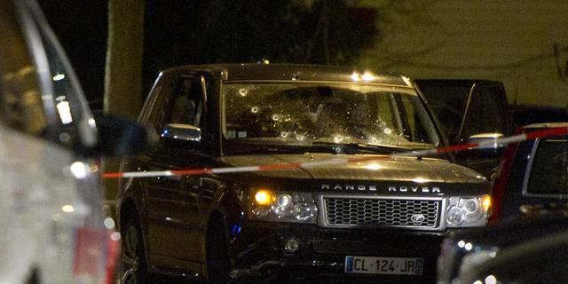 Meer personen in beschoten Range Rover