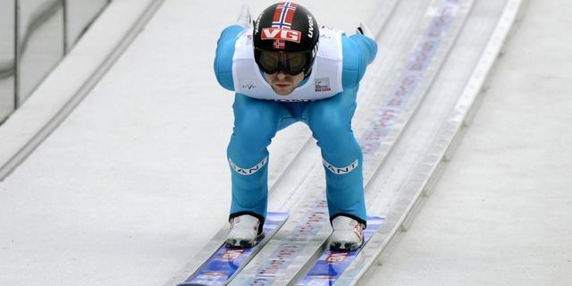 Jacobsen wint opening Vierschansentoernooi