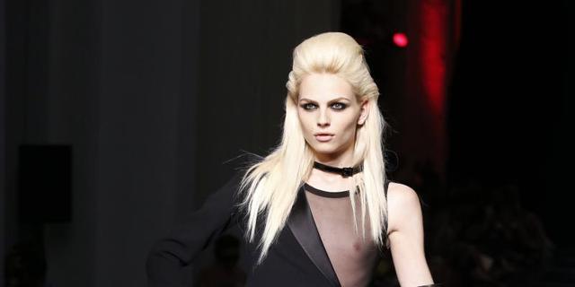 Androgyne Andrej Pejic scoort Elle cover