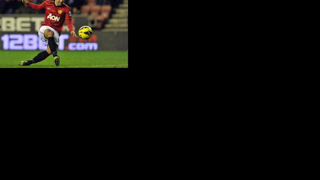 Van Persie tweemaal trefzeker voor winnend United