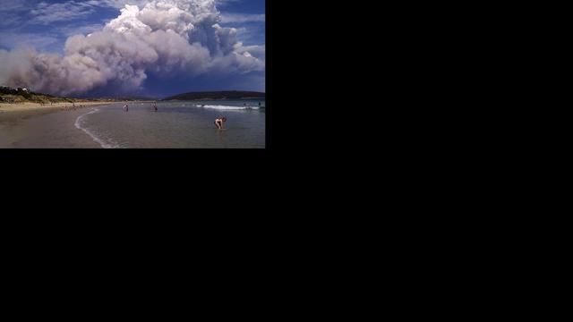 Honderden op de vlucht voor natuurbranden Australië