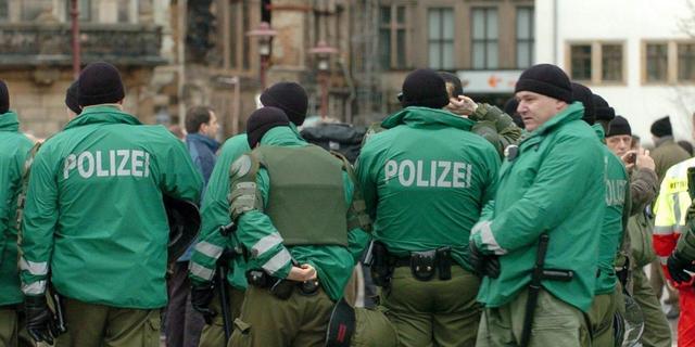 16-jarige maakt dolle rit met gestolen bus in Duitsland
