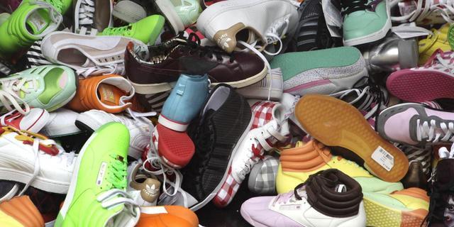 Staking bij grootste sportschoenenmaker