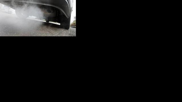'Autofabrikanten deden ook mensproeven met uitlaatgassen'