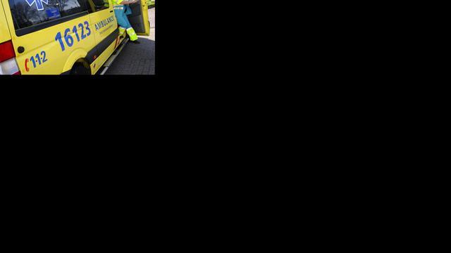 Man doodgedrukt door machine in Overijssel