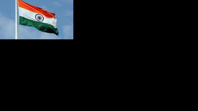 Tientallen reizigers verbranden in bus India