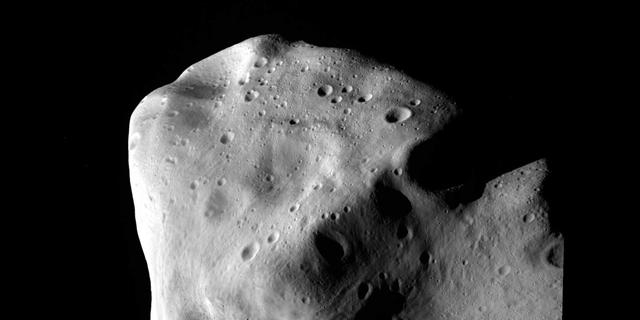 Planetoïde ter grootte van de Eiffeltoren zoeft op 1 juni langs de aarde