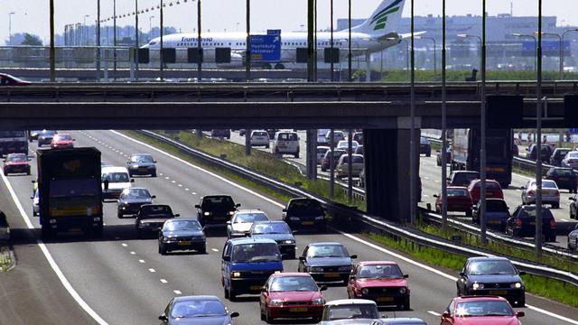 Snelweg A4 dicht na ongeluk vrachtwagens