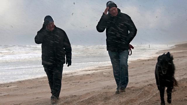 Mortiergranaat op strand Zandvoort gevonden