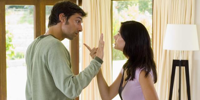 Helft vertrouwt partner niet met geld