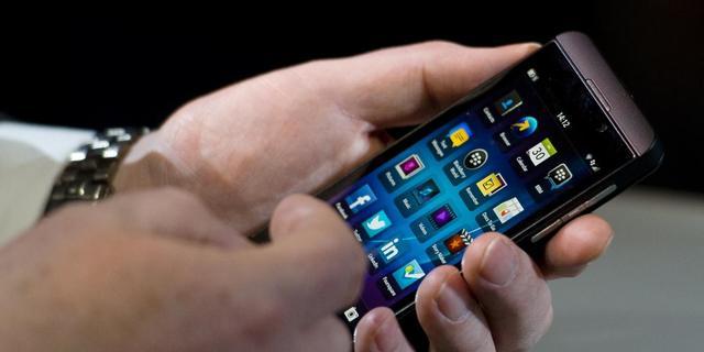 Blackberry woest om bewering dat Z10 geretouneerd wordt