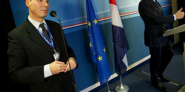 Kabinet zegt Brussel niet extra te bezuinigingen