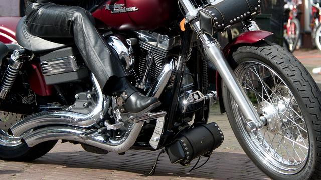 Leiden eist ontruiming onderkomen motorclub