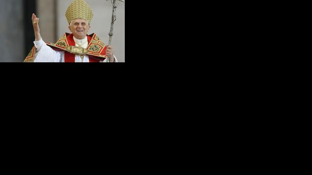 Paus blijft 'Zijne Heiligheid' na aftreden