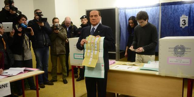 Berlusconi erkent verlies in Kamer