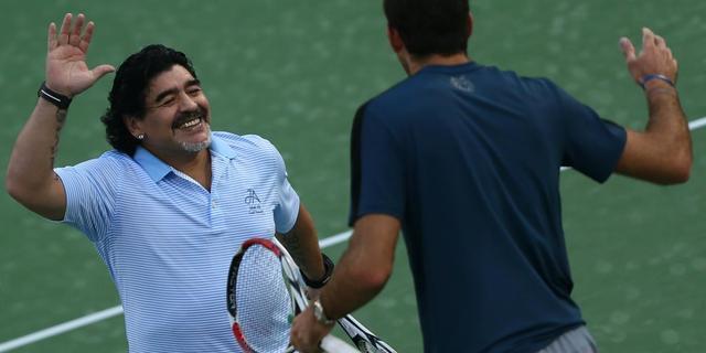 Maradona tennist met Del Potro