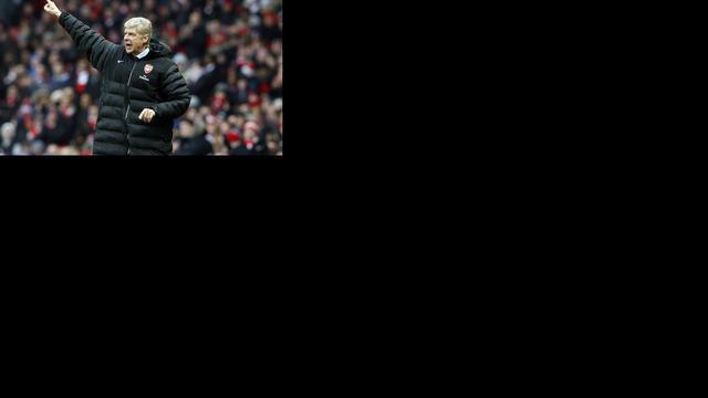 Wenger waarschuwt zijn spelers
