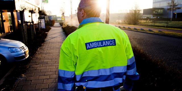 Auto rijdt door na scheppen voetganger in Nieuw-Vennep