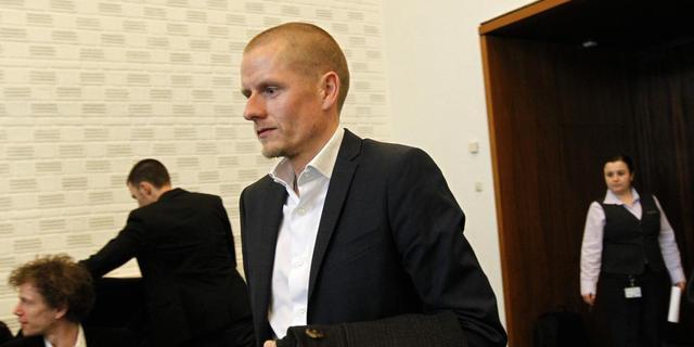 Rasmussen schikt met Rabobank
