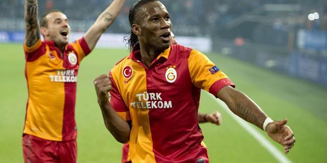 Herstelde Sneijder boekt zege met Galatasaray