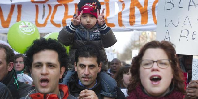Utrecht gaat tegen Teeven in met opvang asielzoekers