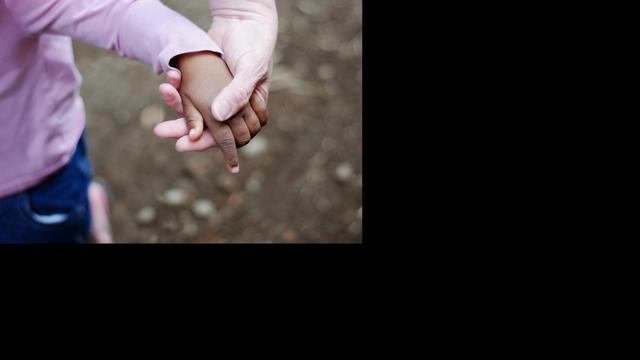 Onderzoek naar illegale adoptie buitenlandse kinderen door Nederlanders