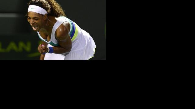 Serena Williams bereikt volgende ronde in Miami