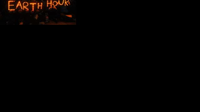 Restaurants doen een uur het licht uit