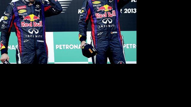 'Rivalen' Webber en Vettel schudden elkaar de hand
